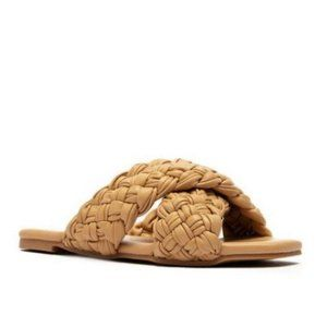 !! NEW !! Braided Slide Sandals in Tan Nude